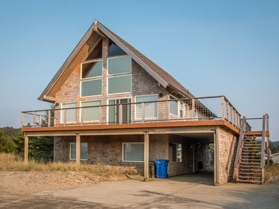 Photo for Beach Dreamer #180 - Newly remodeled large family sized home with beautiful views