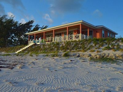 Nemo House - Luxury Beachfront - Perfect For 4 Couples Or 2 Families