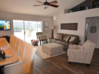 3 BR VILLA. Large pool.  Hot tub.  25 minutes to Disney. 3 King Size Beds