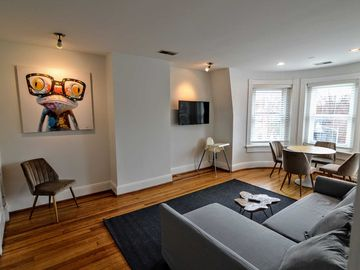 2 Queen Bed Suite on Dupont Circle Embassy Row!