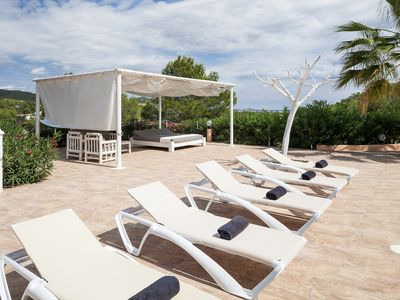 Photo for Large Private villa sleeping 22 close to Ibiza Town, private pool, WiFi