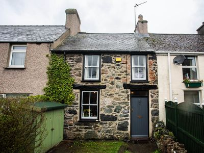 Photo for Cwrt Cottage, DWYRAN