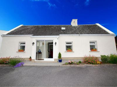 Photo for Explore Connemara. 3 bedroom. Right on the Wild Atlantic Way. Parking. WIFI.
