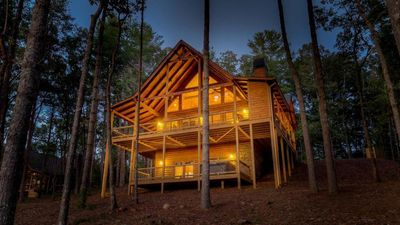Pine Cone Mountain- Pet Friendly   Master on Main   Large, relaxing Hot Tub
