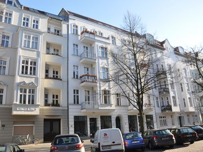 Photo for Quiet, charming old building within walking distance to the fair, Kurfürstendamm, etc.