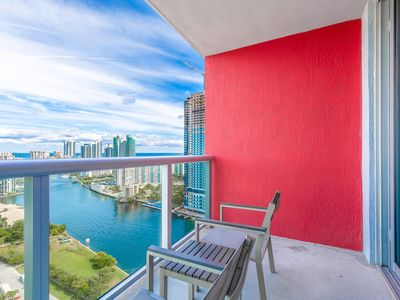 Photo for Studio with Panoramic Views at Beach Walk 27th Floor