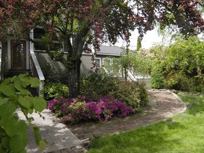 Photo for LOCATION-COMFORT-LUXURY -  Just Steps from Ashland's Downtown Plaza