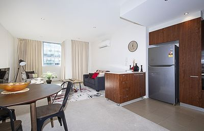 Photo for Spacious 1 BR Stylish Apt with Parking CBD New ACTON