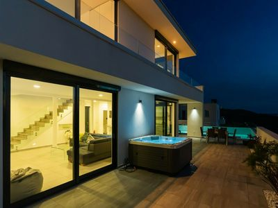 Photo for Luxurious Villa in Grižane with Jacuzzi
