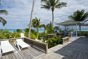 Beautiful New House Directly On Famous French Leave Beach; Full Outside Bar