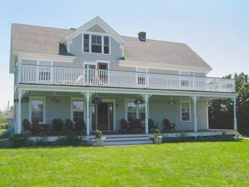 Large Farm House: Great for Family Vacations