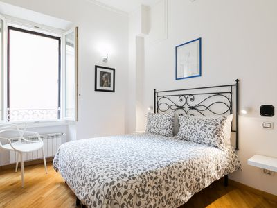 Photo for BRIGHT APARTMENT-ROME CENTER