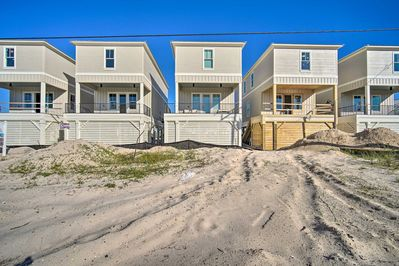 Sandy shores and beautiful Gulf views await at this lovely vacation rental!
