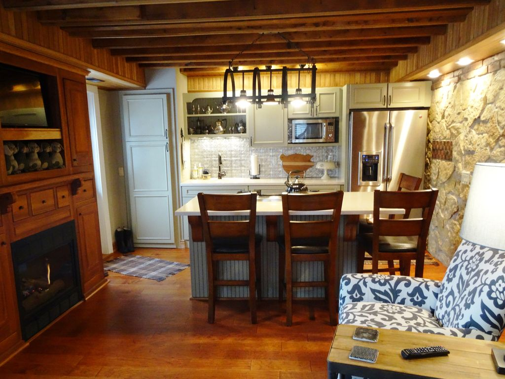 historic 2 br 2ba coach house fireplace homeaway galena