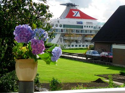 Photo for Kiel Canal; whole house; clean u. cozy; quiet location, own garden
