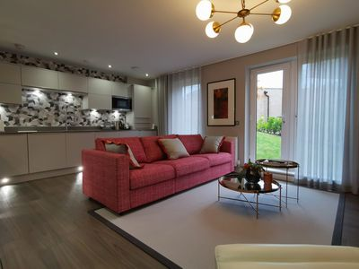 Photo for Stylish 2 Bed Flat, walk to Royal Mile &Princes St