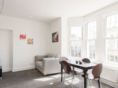 Photo for Trendy Central London Apartment (WRA)