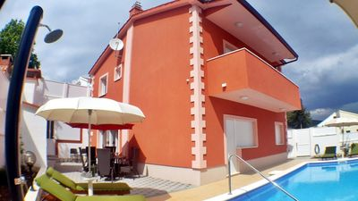 Photo for Newly built house with pool near the sea