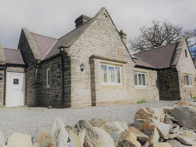 Photo for Large accommodation on gateway to Snowdonia