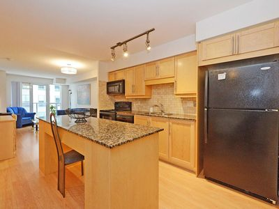 Photo for 1BR Condo Vacation Rental in Toronto, Ontario