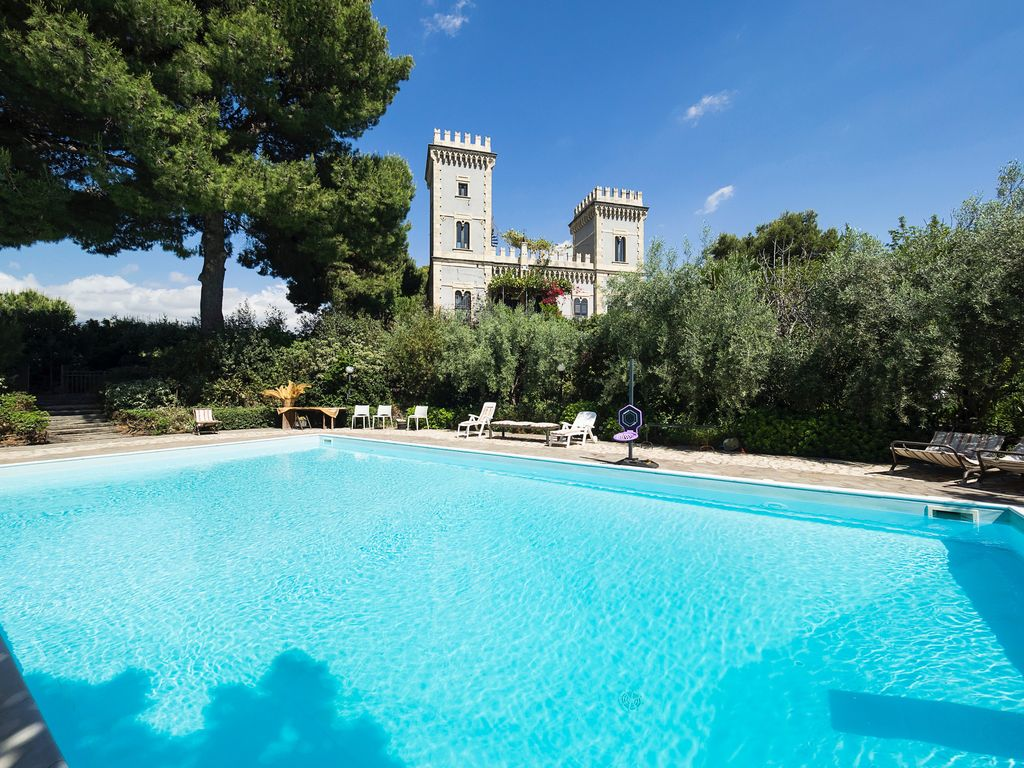 Castle Near The Sea With Private Pool Park And Views Of The Sea And Of The Etna