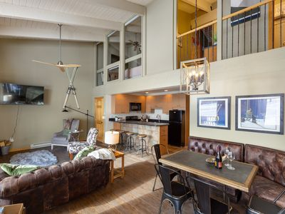 Remodeled Mountainside 3 BR Penthouse Ski-in/out