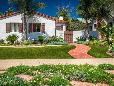 Photo for Luxury 4 BR Near The Grove and Beverly Hills