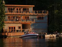 Perfect Waterfront Vacation in a Beautiful World Class Setting