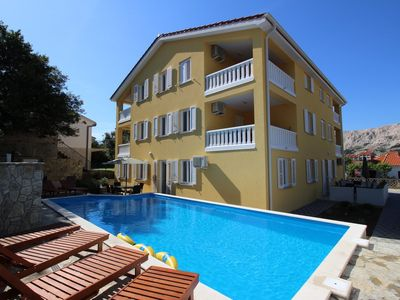 Photo for Holiday apartment with modern furniture and pool, free wi-fi, air conditioning and parking