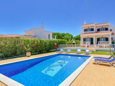 Photo for 3 bedroom Villa, sleeps 6 in Olhos de Água with Pool, Air Con and WiFi