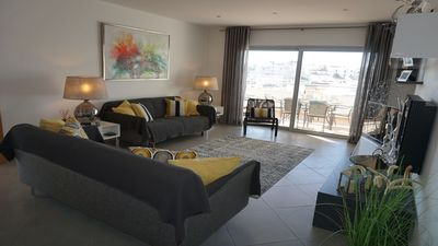 Photo for Luxury 3 Bedroom Apartment close to the Centre of Lagos