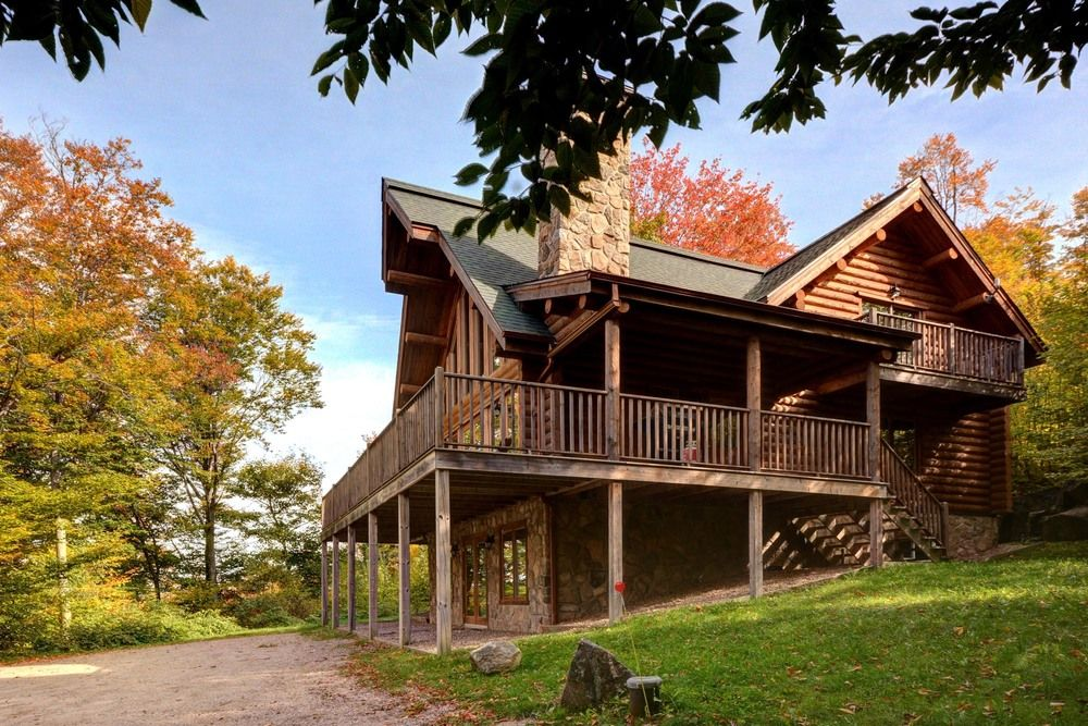Chalet totem property is 30 minutes 33km from mont for Laurentian mountains cabin rental