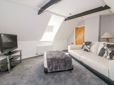 Photo for THE ATTIC HOUSE, pet friendly in Wragby, Ref 1007120