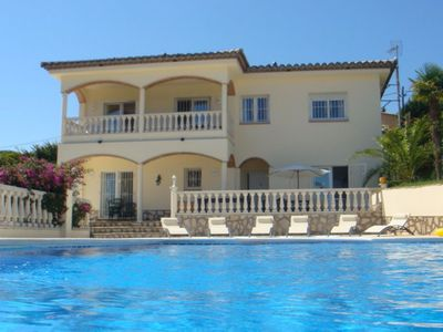 Photo for Fantastic villa for 10 people with private swimming pool and sea view