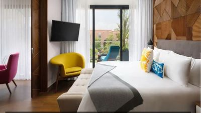 Photo for Stunning hotel offering the best of city and sea. Suites feature a full kitchen,