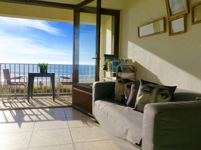 Photo for Carnon Plage: Very nice flat, directly on the beach