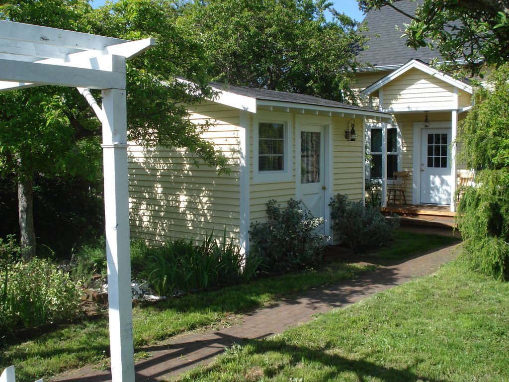 charming two story cozy cottage with art st vrbo