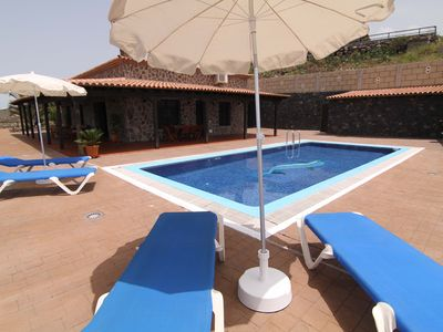 Photo for Beautiful Country Villa with Private Pool and Car included (Toyota Auris) !!