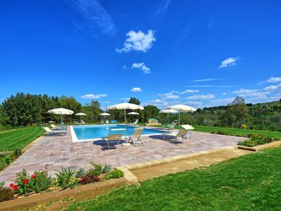 Photo for Villa Bonriposo - large villa for rent with private pool in the countryside of Pisa, Tuscany