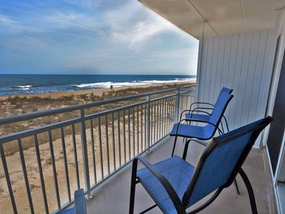 Newly-renovated 1 bedroom oceanfront condo with free WiFi and gorgeous ocean view located midtown and just steps to the beach!
