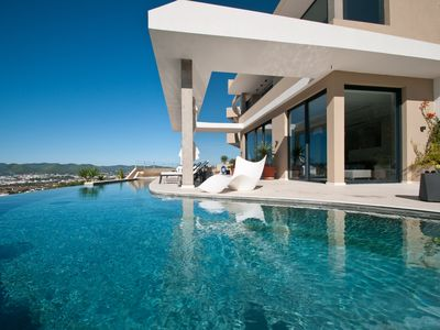 Photo for Stunning villa with an incredible infinity pool