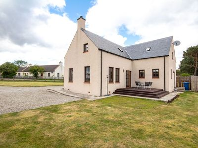 Photo for Quiet location, not far from Dornoch & Tain. Good NC500 base.