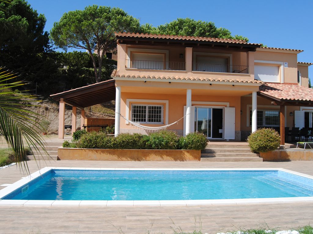 Villa For 10 With 5 Bedrooms Swimming Pool Wifi Beach Shopping And Barcelona Sant Andreu De