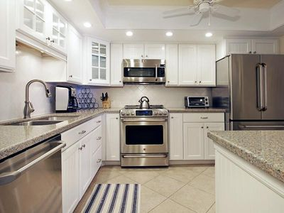 BEAUTIFUL 9TH FLOOR BEACHFRONT CONDO AT ISLAND WINDS - FREE WIFI, CENTRAL AIR, COVERED PARKING - Click for Reviews!