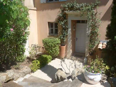 A sunny welcome for your arrival at our front door