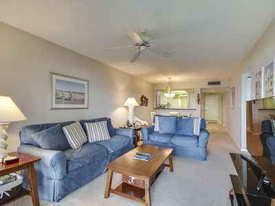 Photo for 2BR Condo Vacation Rental in Treasure Island, Florida