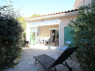 Photo for Villa with 3 bedrooms, in secured residence with pool, at only 250m from the sea of Portiragnes...