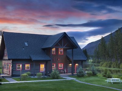 Photo for Cozy Lake Blaine Cabin with Unobstructed, Panoramic Views of the Rocky Mountains