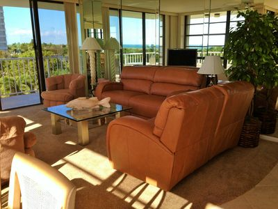 Photo for Enjoy this TRUE BEACHFRONT UNIT with panoramic view