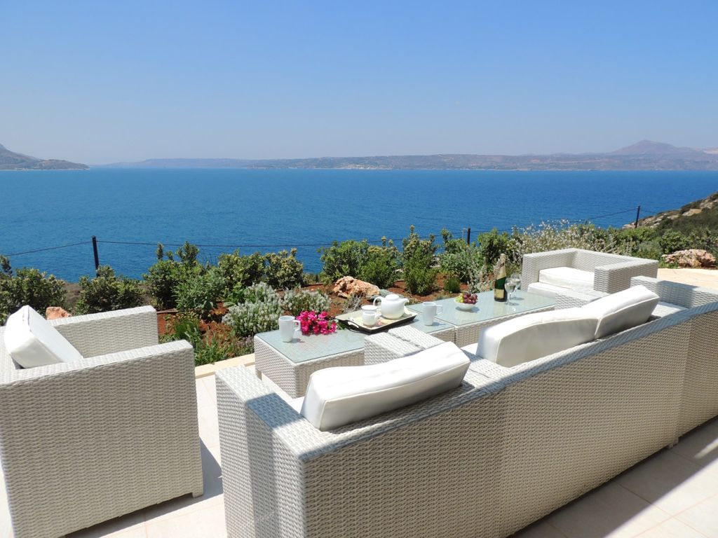 a8a5b128daf2 Private Luxury 4 - 5 Bedroom Villa w/ Infinity Pool, Games Room & Amazing  Views